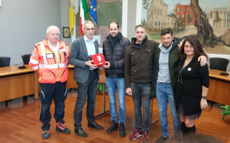 Consegna Defibrillatori - Contributo AIL